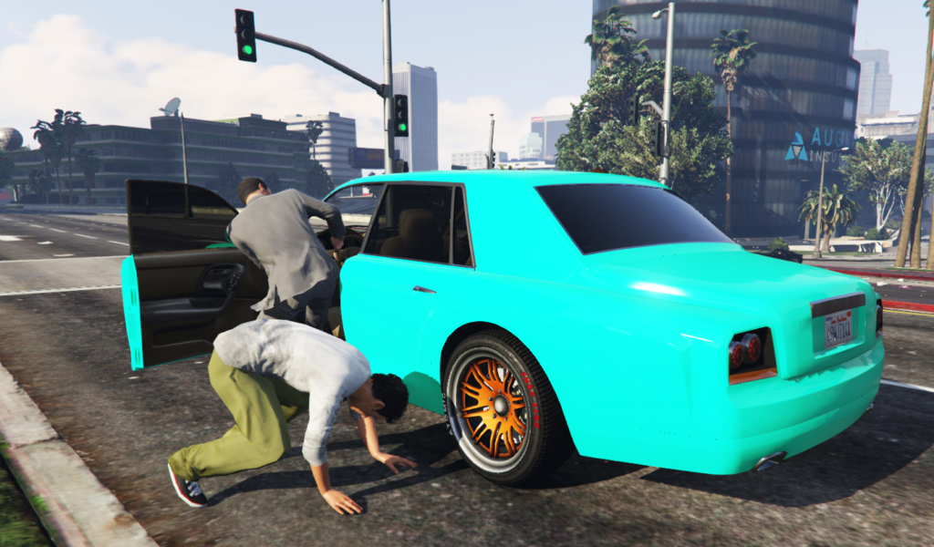 Grand Theft Auto V: shoot the driver and jack the car